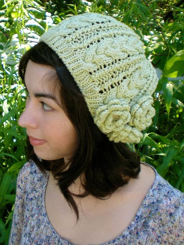 Ажурная вязаная спицами шапка