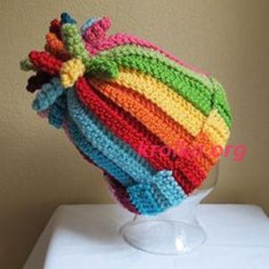 яркая шапочка